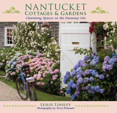 Nantucket-Cottages-and-Gardens-by-Leslie-Linsley