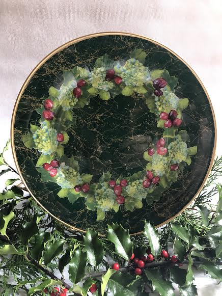 leslie-linsley-xmas-plate-2019